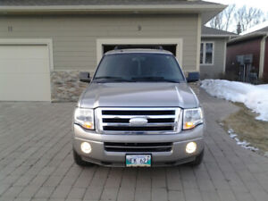 FORD EXPEDITION (IMMACULATE CONDITION)
