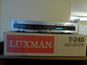 LUXMAN T240 Frequency Synthesized AM/FM Stereo Tuner