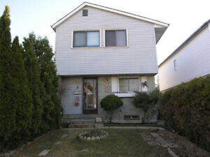 Well Loved And Maintained 4 Bdrs Home In A Cul De Sac