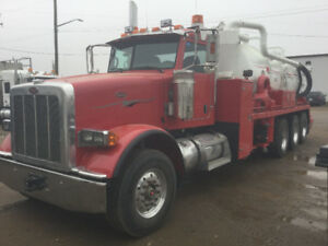 Peterbilt tri axle 388 vac truck coded clean