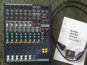 Console Soundcraft EPM6 + Akai timbre wolf