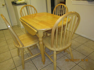 Dinette Drop Leaf Table & Chairs