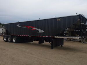 New 2017 Bergs 45' Tridem Grain Trailer