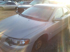 2000 Volvo S60 just arrived for parts at Pic N Save!