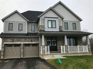 New 4000 sq ft home for rent  - 5 Bed, 5 Bth, HUGE lot