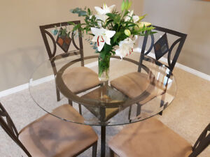 Beautiful Glass Table and Chairs