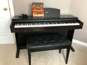 Yamaha Electric Piano w/ Bench and Books