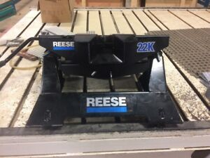 22K NEW REESE 5TH WHEEL ASSEMBLY