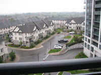 1Bd+Den with Parking at Bathurst and Centre, Thornhill