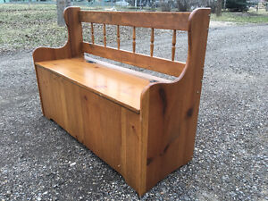 $60 - Solid Wood Front Entrance Storage Bench (Very Sturdy)