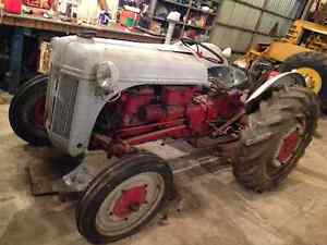 Ford Ferguson 2N Tractor - Great Compact Tractor Windsor Region Ontario image 8