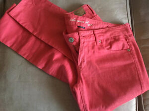 NEW American Eagle Coral Skinny Jeans