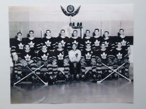 1956-57 Toronto Maple Leafs 10 x 8 Team Photo