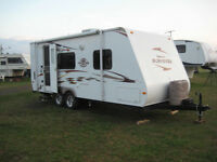 2009 Surveyor travel trailer