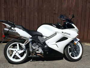 MINT 2009 VFR 800 with LOW mileage