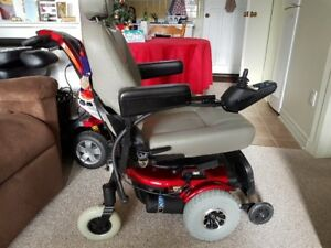 Electric Wheelchair with SEAT LIFT