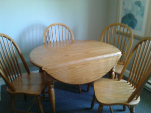 CUSTOM made solid oak table and 4 chairs