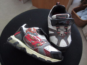 Boy's car running shoes - Size 9