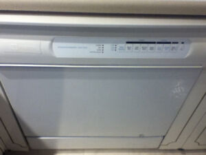 Maytag Dishwasher for sale MDB5100AWW $80 or best offer
