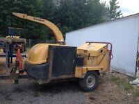 Wood chipper *tree removal, 2004 Vermeer bc1400 14 inch