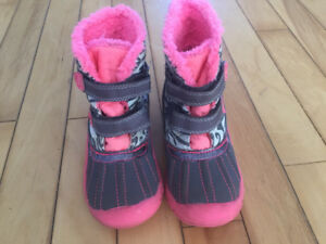 Girls size 8 fall boots