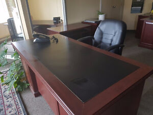 7 Offices & Boardroom furniture