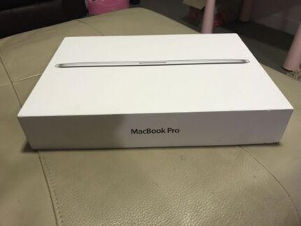 "Macbook PRO 15.4"" Retina 2013 , 500GB SSD , Core i7 good cond"