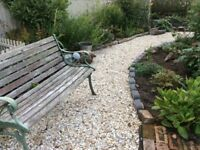 20 mm buff Flint garden and driveway chips/ gravel/ stones