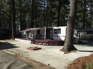 Terrain & roulotte / Permanent trailer and camping site