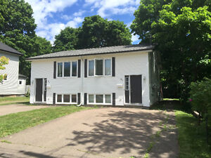ALL INCD-2 or 3 Bdrm Semi-PRIVATE DECK! Great for UdeM Students!