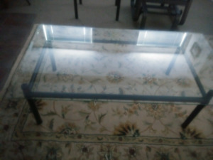 TABLES EN VERRE