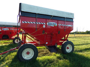 430 Brun's Grain Wagons with Tarps 2 to choose from