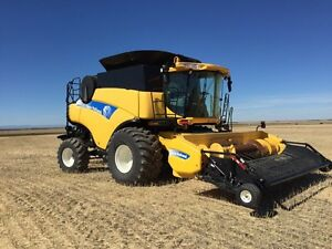 CR 9070 NEW HOLLAND.