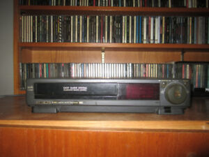 Hitachi VT-F 361 A Digital Audio Tracking VHS VCR