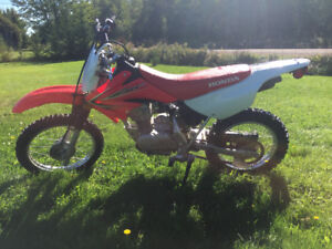 2013 Honda CRF 80 - Like new - Barely used  - with papers !!