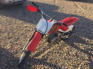 XR 100 dirt bike