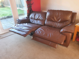 BROWN LEATHER ELECTRIC RECLINER SOFAS X2