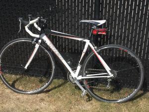 Vélo de route TREK 1.5 excellent état