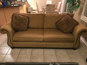 Matching sofa (couch) and loveseat set, excellent condition
