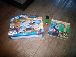 Thomas trackmaster set and slide and seek
