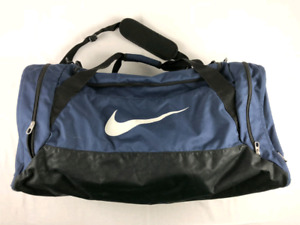 Nike Duffle / Duffel Gym Shoulder Bag ( Pick Up Only)