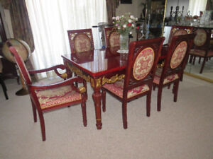 Beautiful ASIAN ornate Dinning Room Table and 6 Chairs Red/Gold