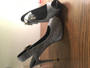 Guess Heels for Sale. Best Offer!