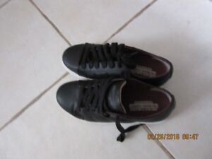 boys sketchers leather running shoes size 3