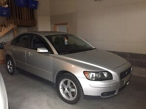 2006 Volvo S40 t5 AWD - certified