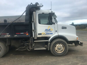 2008 Volvo tandem plow truck ready to work