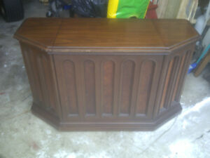 Stereo Cabinet Base With Lid