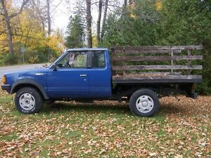 Camion1985 Nissan King Cab 4x4