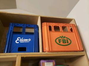 2 anciennes caisses de liqueurs 1970'-1980'