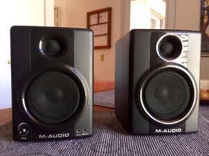 M-Audio AV30 Studio Monitor Speakers